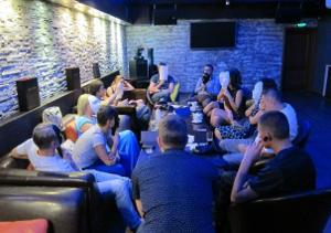 Speeddating в ресторане Ромашка. 27 пар возраста 30-42 года, играем в мафию